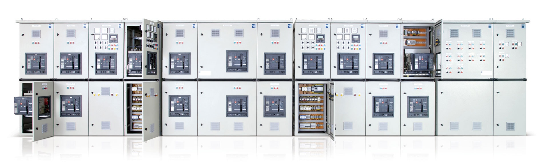 Main electrical switchboard for marine applications